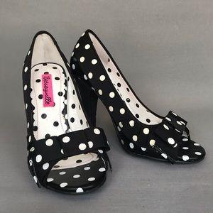 Betseyville Polka dotted heels sz 5